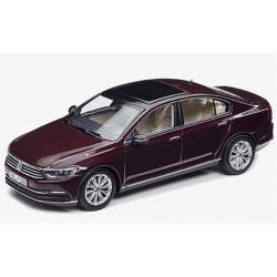 VW Passat 1:43 červená