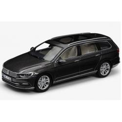 VW Passat Variant 1:43, čierny