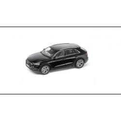 Audi Q8, 1:43